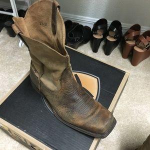 Ariat Shoes - Ariat boots sz 13